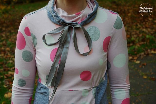 Kragen Details - Frau mit Longshirt Lady Rockers Schnittmuster von Mamahoch2 selbst genäht von Basteltantes Nähkästchen