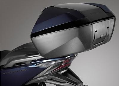 Honda Forza 300 2018 atau Forza 250 top box pabrikan