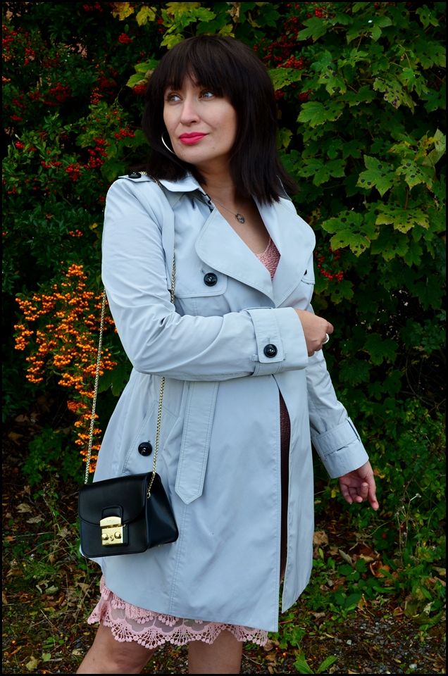 Adriana Style Blog, blog modowy Puławy, Bonprix Knitted Dress, Burberry Coat, Furla Bag, Saint London XVI Silver Mayfair Watch, Stilnest Necklace, Sukienka dzianinowa Bonprix, Torebka Furla, Trench Burberry