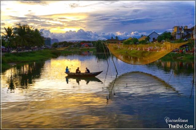 hoàng hôn trên sông Hoài - Hội An