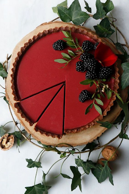 Weddings are beautiful. No doubt about that. It's your day to share your unique style with close friends, family, and the occasional wedding crasher - weddings ideas - wedding planning ideas - partial wedding planning K'Mich Philadelphia PA - https://nirvanacakery.com/beetroot-hibiscus-tart/