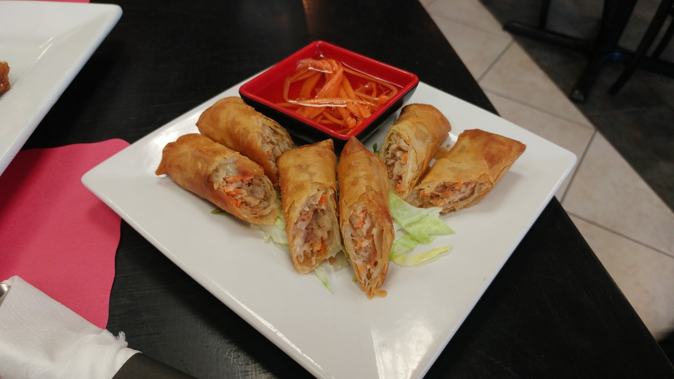 Mami-Eggroll: Sizzling Kitchen in Downtown Lowell