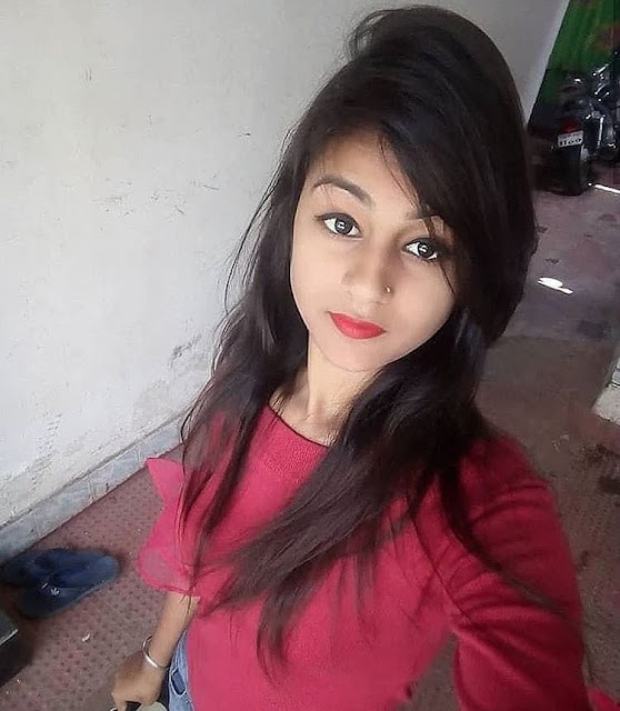 17 year simple girl pic