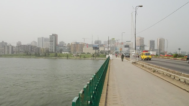 The entrance to Plateau in Abidjan