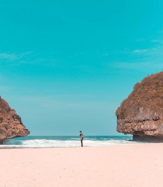 Pantai Greweng Gunung Kidul, Tempat Pertapaan Soekarno