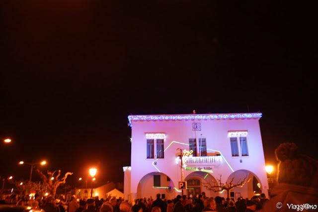 Municipio durante capodanno a Les Saintes Maries de la Mer