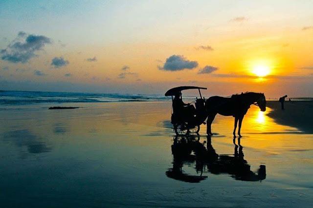 foto sunset di pantai parangtritis