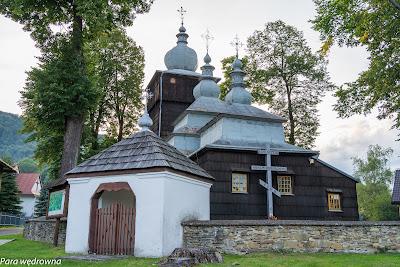 Drewniana cerkiew św. Paraskiewy (1786 r.) w Uściu Gorlickim