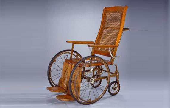 İlk tekerlekli sandalyeyi kim icat etti ?