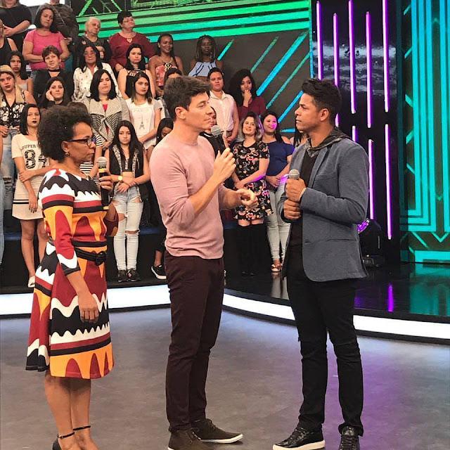 Cantor de Alagoinhas Andresson Costa vai participar do programa A Hora do Faro da Record TV