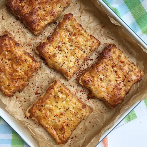 Cheddar Cheese Toast ~ Käsetoast mit Cheddar