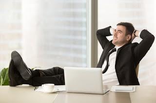 5 Cara Menikmati Waktu Senggang Ditengah Rutinitas Kerja Versi Kaum Rebahan ID