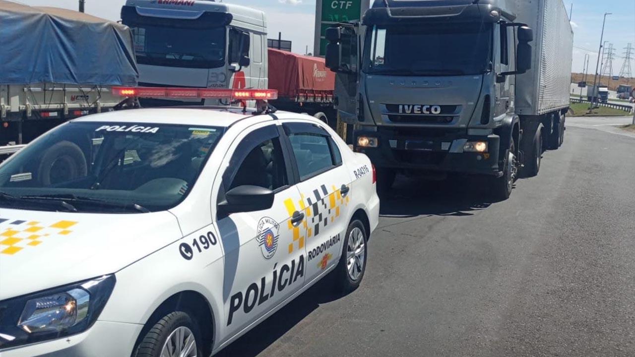 Polícia Rodoviária prende homem com carga de agrotóxicos roubada