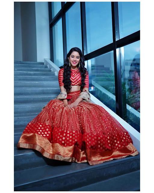 Mirnalini Ravi 6