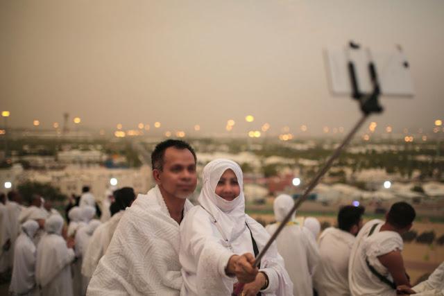 Jamaah Haji Dihimbau Hati-Hati Jika Berselfie Menggunakan Baju Ihram, Ini Alasannya