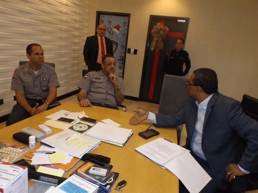 Director general de la pn y onesvie acuerdan evaluar for Oficina nacional de evaluacion