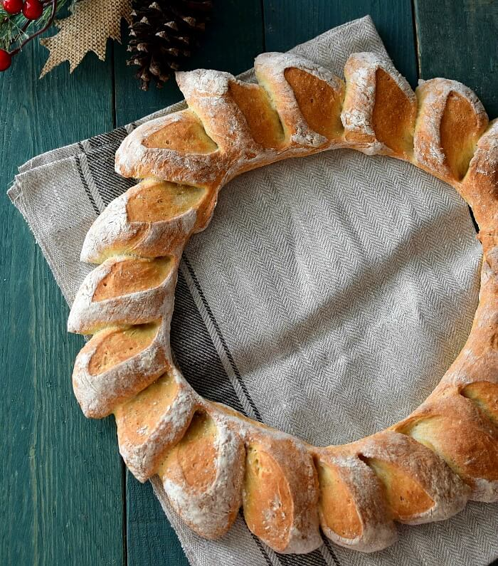 Pan rústico corona de espigas de trigo