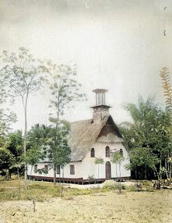 gereja di nainggolan samosir