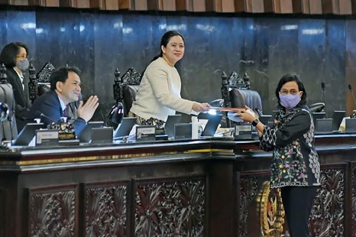 Perppu Corona Disahkan Menjadi UU Dinilai Jebakan Batman bagi Jokowi