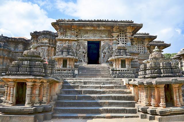Stone carvings. Hoysaleswara temple. karnataka temples yatra