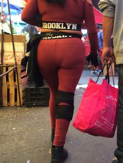 Mujer calzas gym nalgas