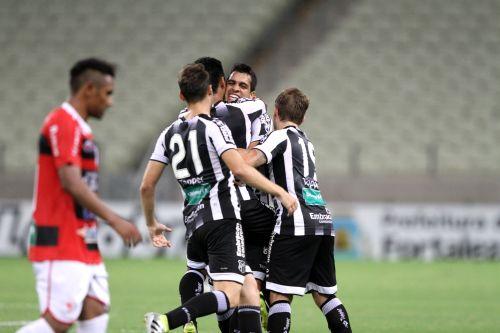 Eficiente no primeiro tempo, Ceará vence o Guarany (S) e sobe pra 4ª posição no Estadual