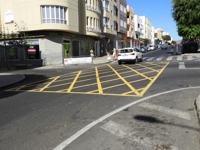 Fuerteventura.- En Puerto del Rosario continúan las labores de mantenimiento y renovación en la señalización vial de  Puerto del Rosario