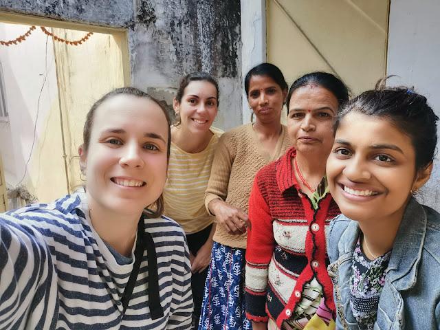 MIRADES DE FUTUR: UN REPORTAJE SOBRE LA INFANCIA Y LA MUJER EN LA INDIA