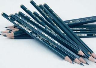 Merk Pensil Yang Bagus Untuk Menggambar