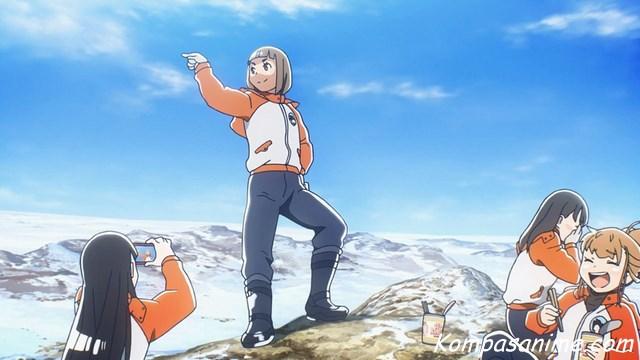 Sora yori mo Tooi Basho tayang di musim yang sama dengan Yuru Camp yakni musim dingin 2018