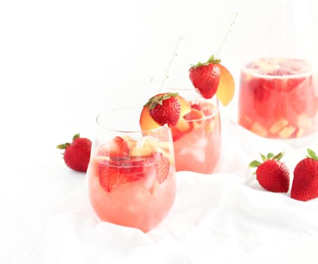 Peach Rosé Sangria #party #drinks