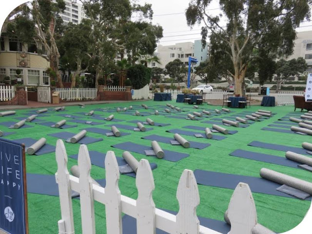 From Venice Beach to Santa Monica: Outdoor Yoga