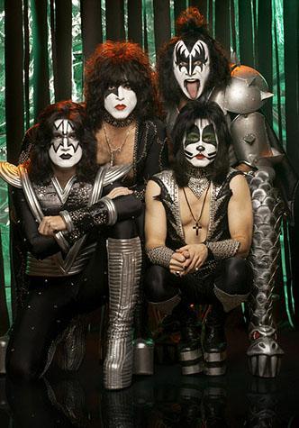 Foto de la Banda Kiss posando para fans