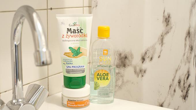 zasłona prysznicowa marmurowa, marmurowe dodatki do łazienki, maść z żyworódką, żel z aloesem, krem z miodem manuka, dr. organic rescue cream, krem dr. organic,