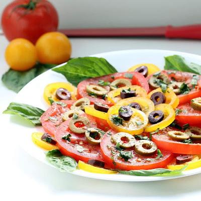 Salada de Tomate Napolitana (vegana)
