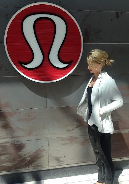 lululemon-to-and-flow-wrap