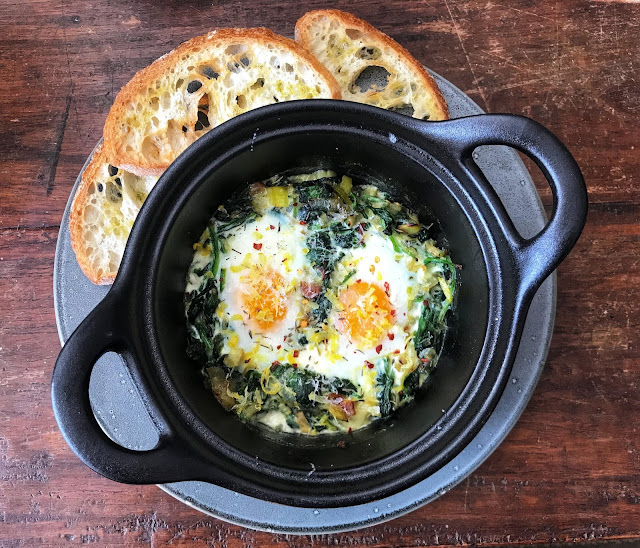 Baked Eggs with Leek and Spinach