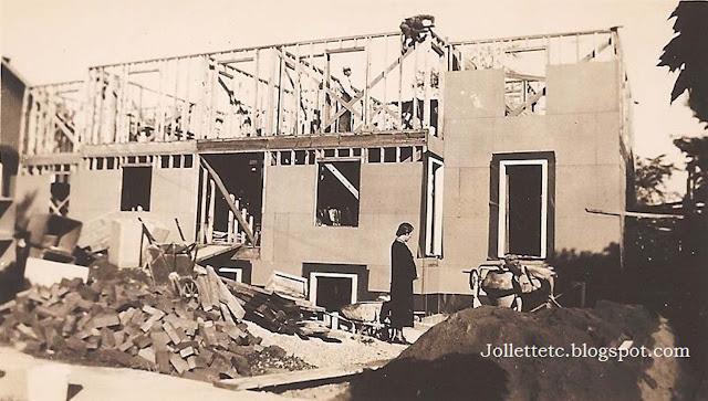 Violetta supervising the construction of her home https://jollettetc.blogspot.com