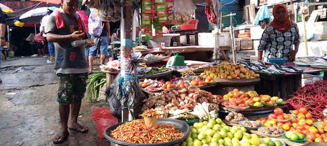 Kementerian Perdagangan (Kemendag) membantu pembangunan dua pasar di kota Ambon tahun 2017 yakni pasar Waiheru kecamatan Baguala dan Hutumuri kecamatan Leitimur Selatan.