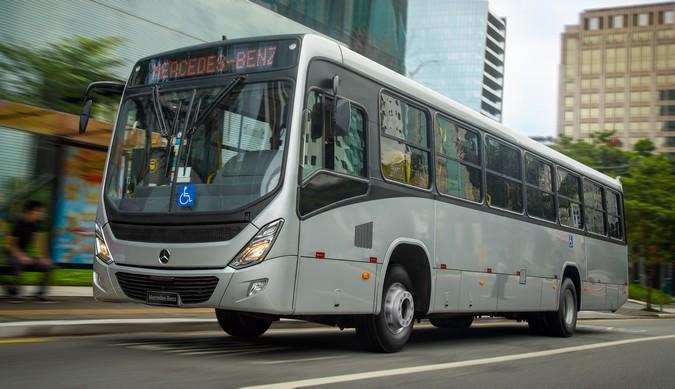 Mercedes-Benz do Brasil celebra 50 anos da linha OF de chassis de ônibus