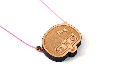 http://www.lesfollesmarquises.com/product/pendentif-mini-esther