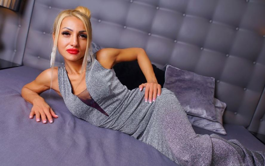 EmeraldEbbs Model GlamourCams