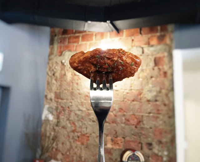 Singapore Lola's Cafe - Honey Paprika Crispy Wings