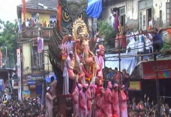 Lalbaugcha Raja 2016 Visarjan Live