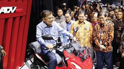 AHM Luncurkan Honda ADV150 Skutik Penjelajah