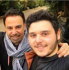 تعرض الفنان عاصي الحلاني وابنه لانتقادات حاده بعد اخذه اللقاح