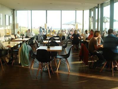 4 nguyên tắc lựa chọn bàn ghế quán cafe sao cho đẹp nhất 1