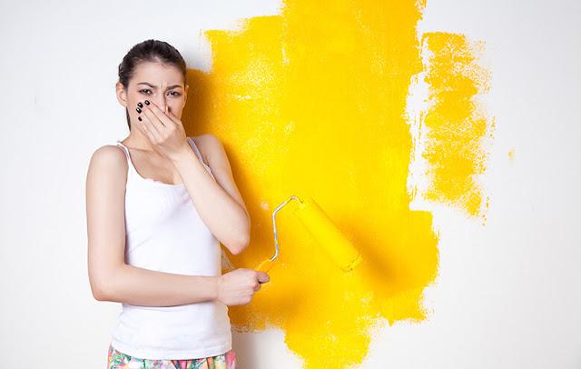 Se débarrasser de l'odeur désagréable de la peinture dans une pièce de la maison ?