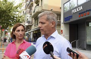 PP, partido popular, barcelona, lazos amarillo, oficina