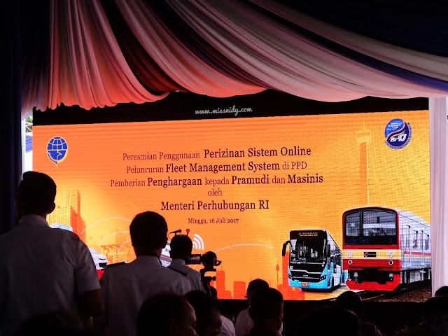 peluncuran perizinan berbasis online untuk angkutan sewa khusus
